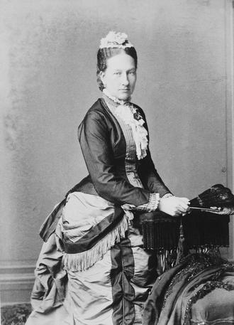 Infanta Maria Anna of Portugal (1843–1884) - Image: Maria Anna, Princess George of Saxony (c. 1883)