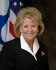Mary Peters official DOT portrait.jpg