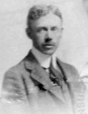 Howard Burnham - M. Howard Burnham, 1915