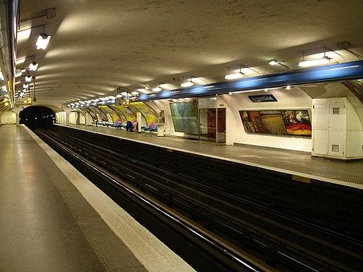 Metro-Paris-Ligne-1-station Argentine 01