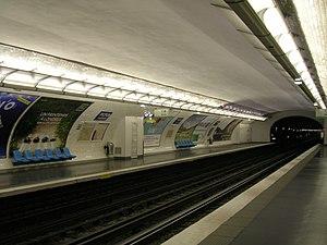 Picpus (Paris Métro) - Image: Metro 6 Picpus quais