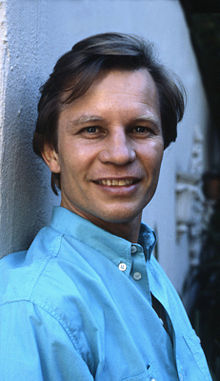 Michael York 8 Allan Warren.jpg