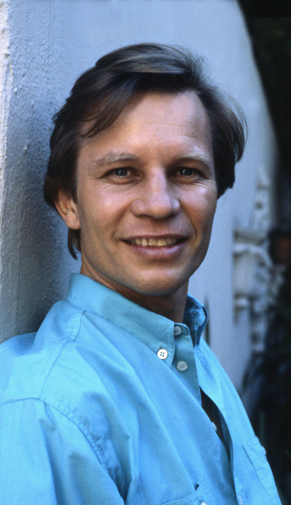 michael york actor mic...