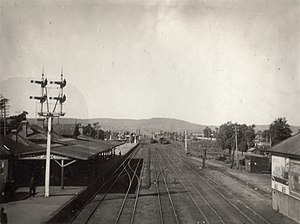 Midland Junction railway station - Midland Junction station, May 1927 - taken from the Railway Workshops footbridge - looking east towards Greenmount Hill
