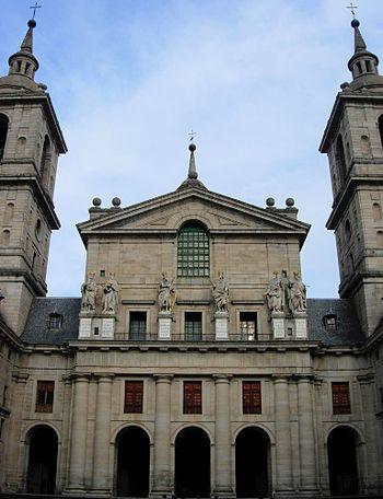 Fachada de la basílica del monasterio de El Es...