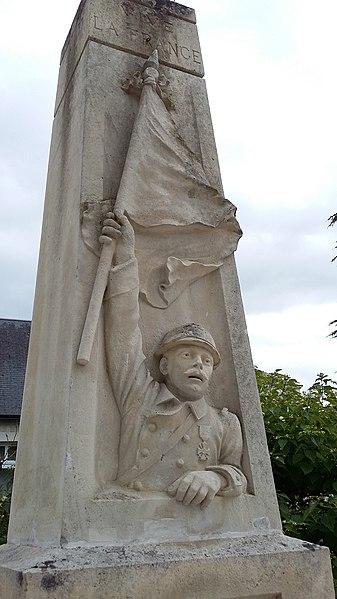 Détail du monument aux morts de Beaumont-en-Véron (Indre-et-Loire)