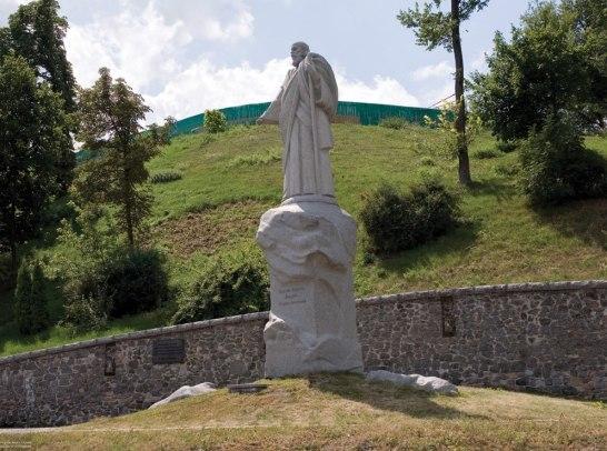 Monument to Andrey Pervozvanniy.