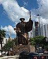 "Monumento ""O Desbravador"".jpg"