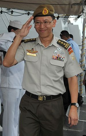 Neo Kian Hong - Neo on board the USS ''McCampbell'' on 18 May 2011