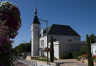 Néris-les-Bains - Image: Neris Les Bains Mairie
