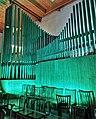 Neusäß, St. Ägidius (Hindelang-Orgel bei Nacht, türkis) (4).jpg