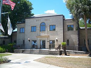 New Smyrna City Hall03.jpg