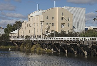 Northam, Western Australia - Image: Northam, Flour Mill and Avon Bridge
