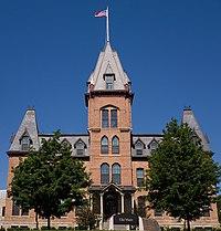 Old-Main-St-Olaf-College-Northfield-Minnesota.jpg