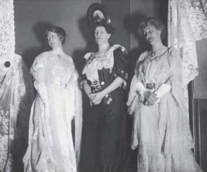 Josephine MacLeod - Olea Bull, Betty Laggett and Josephine MacLeod at the Holdts Hotel, Bergon, Norway after dinner with King Haarkon and Queen Maud on July 23, 1906