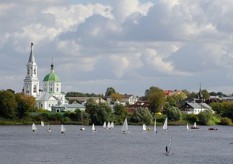 File:On the Volga river.jpg