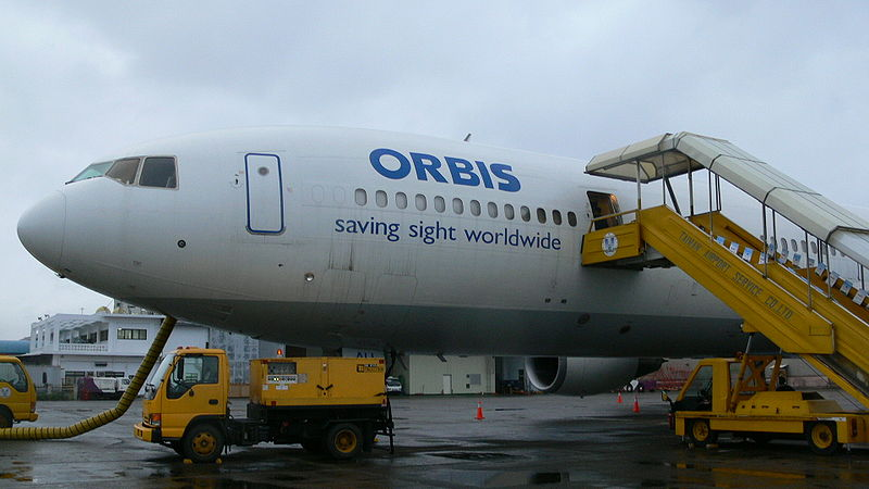 File:Orbis-Fly-hospital-DC10-N220AU-P1000818.JPG