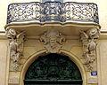 P1250492 Paris IV hotel de Chenizot porte detail bis rwk.jpg
