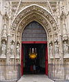 P1290376 Paris IV eglise St-Merri portail rwk.jpg