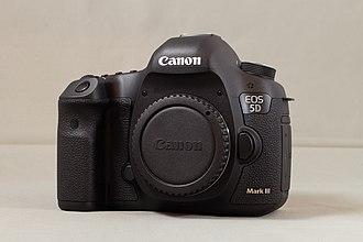 Canon EOS 5D Mark III - Image: Pack Fañch Canon EOS 5D Mark III Avant
