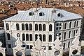 Palazzo dei Camerlenghi (Venice).jpg