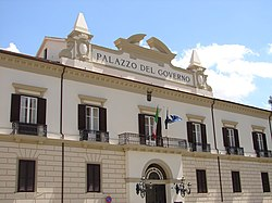 Palazzo del governo - Cosenza.jpg