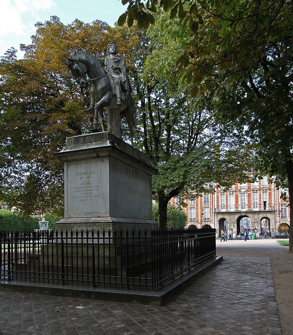 Paris-Place des Vosges-114-Louis XIII-2017-gje