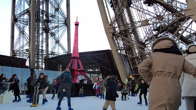 File:Patinoire Tour Eiffel - Ice skating rink Eiffel Tower (9).jpg
