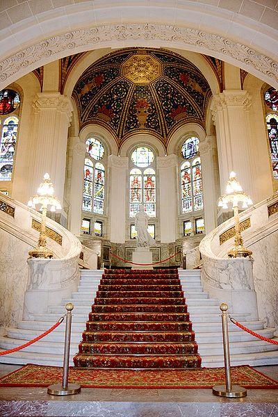 File:Peace palace main hall 1024.jpg