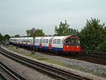 PicadillyLine-ChiswickPark-20040929.JPG