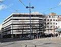 Pius Parsch Platz und Woolworth vor Umbau.jpg