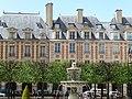 Place des Vosges, Paris - panoramio (873).jpg