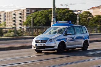 Berlin Police - Image: Polizei auf der Warschauer Brücke 20140622 3