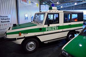 Polizeioldtimer Amphibienfahrzeug.jpg