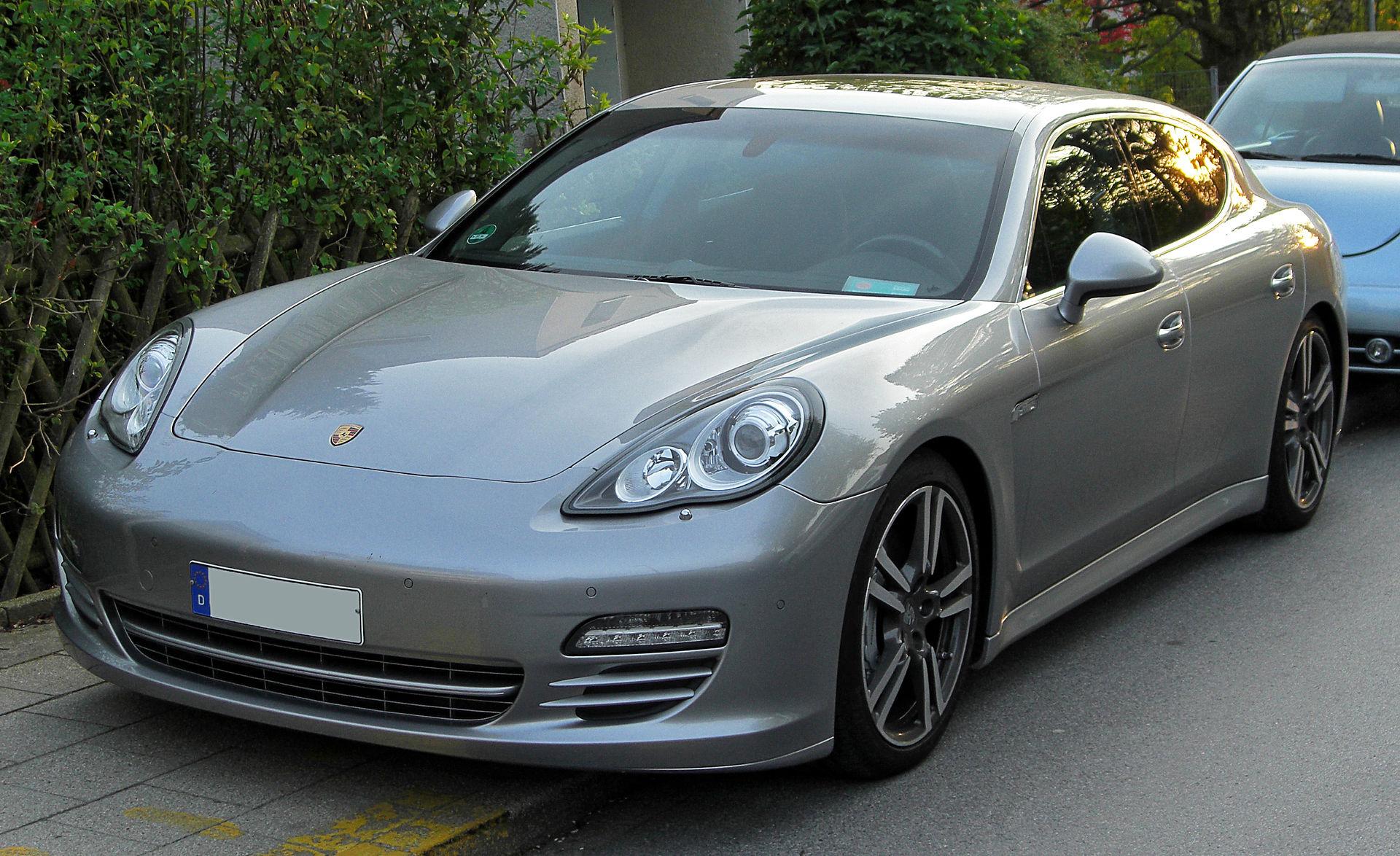 Px Porsche Panamera S Front