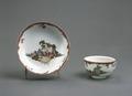 Porslin. Kopp med fat. Naturmotiv - Hallwylska museet - 89152.tif