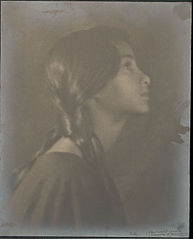 Portrait of Indian-Hawaiian girl (profile) 1909.jpg