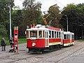 Praha, Bubeneč, smyčka Výstaviště, tramvaje č. 2210+1530 (05).jpg
