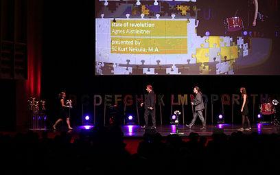 Prix ars electronica 2012 30 Agnes Aistleitner - state of revolution.jpg