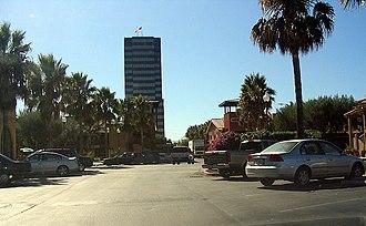 Pruneyard Shopping Center - Image: Prune Yard tower
