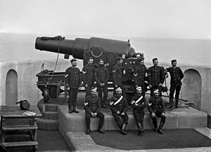 RML 9 inch gun and crew at Fort Scratchley-3 Flickr 4811499870.jpg