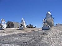 Radiotélescopes du Plateau de Bure.JPG