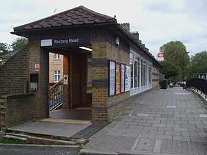 Rectory Road railway station - Station entrance in 2008