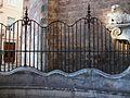 Reixa de la porta dels Ferros de la catedral de València.JPG