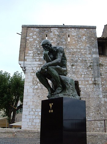A replica of The Thinker in Saint-Paul de Venc...