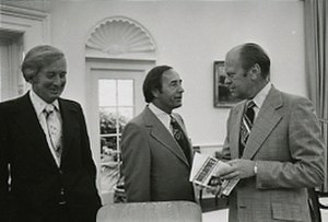Richard DeVos - Richard DeVos (center) and Jay Van Andel meeting with President Gerald R. Ford  in June 1975