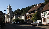 Rinnthal-Hauptstrasse-Ortskern-12-Kirche-gje.jpg