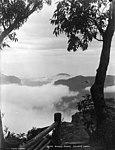 Rising mists, Govetts Leap (2925979080).jpg