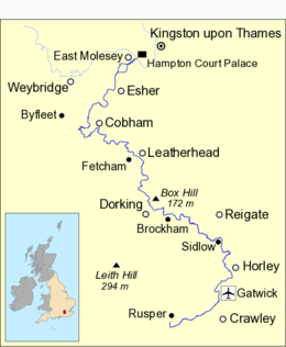 Map of the River Mole, marked in dark blue, running in an S-shape.  Towns and some villages are named.  At the top of the map, a stretch of the River Thames between Weybridge and Kingston is shown in light blue.