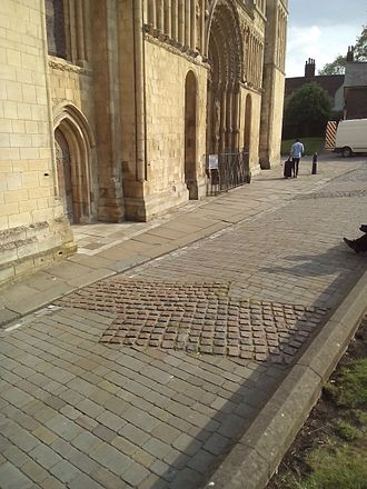 Rochester Cathedral - Setts showing the outline of the first building.